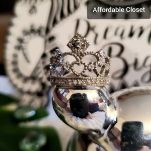 $4 STEAL OF DAY! 10-24 •Crown Ring NWT•